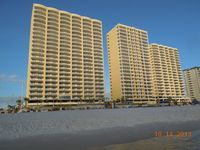 SAVE BIG~HUGE BALCONY~Roomy 2BR + FREE Beach Chairs & Wi-Fi~King Bed Ocean View