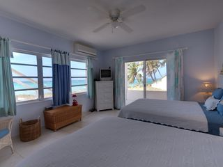 North Palmetto Point villa photo - Another view of the Downstairs Bedroom with private exterior entrance.