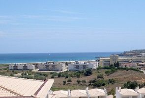Apartment with lovely Sea Views, pool, balcony. Close to marina, beach and