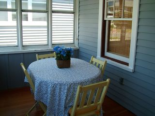 Old Lyme cottage photo - Enclosed Front Porch