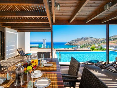 Sea View Villa, Short Walk To The Beach,  Restaurants, Bars And 3km From Lindos!