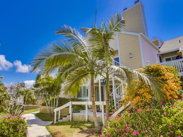 This 1250 sq ft condo has a family room and a sitting room plus ocean view too.