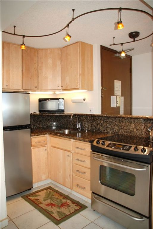 Full Kitchen with granite countertop and all new appliances