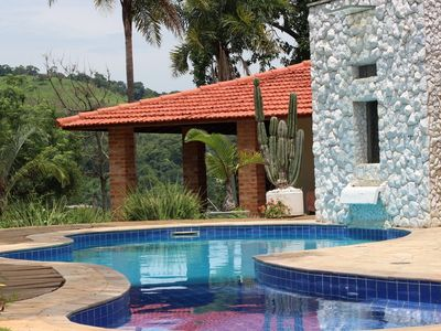 Beautiful country house with swimming pool near the city