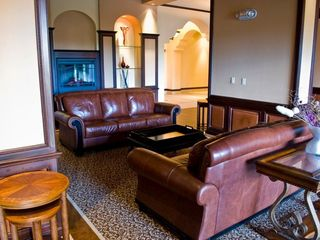 Lake Buena Vista condo photo - Waiting lounge with wireless internet