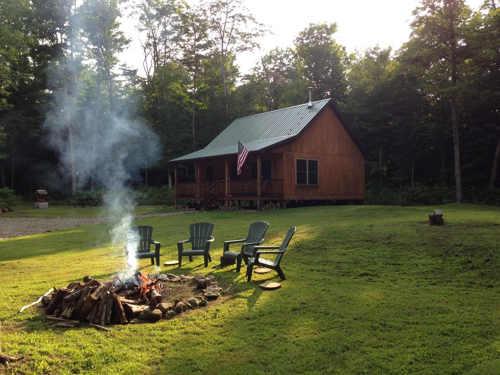 Upscale cabin in the woods near letchworth vrbo for Cabins near letchworth state park