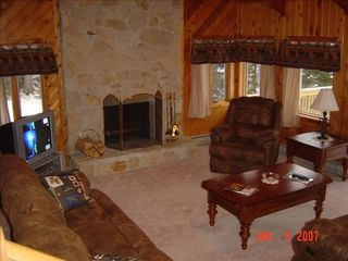 Living Room - Pittsburg house vacation rental photo