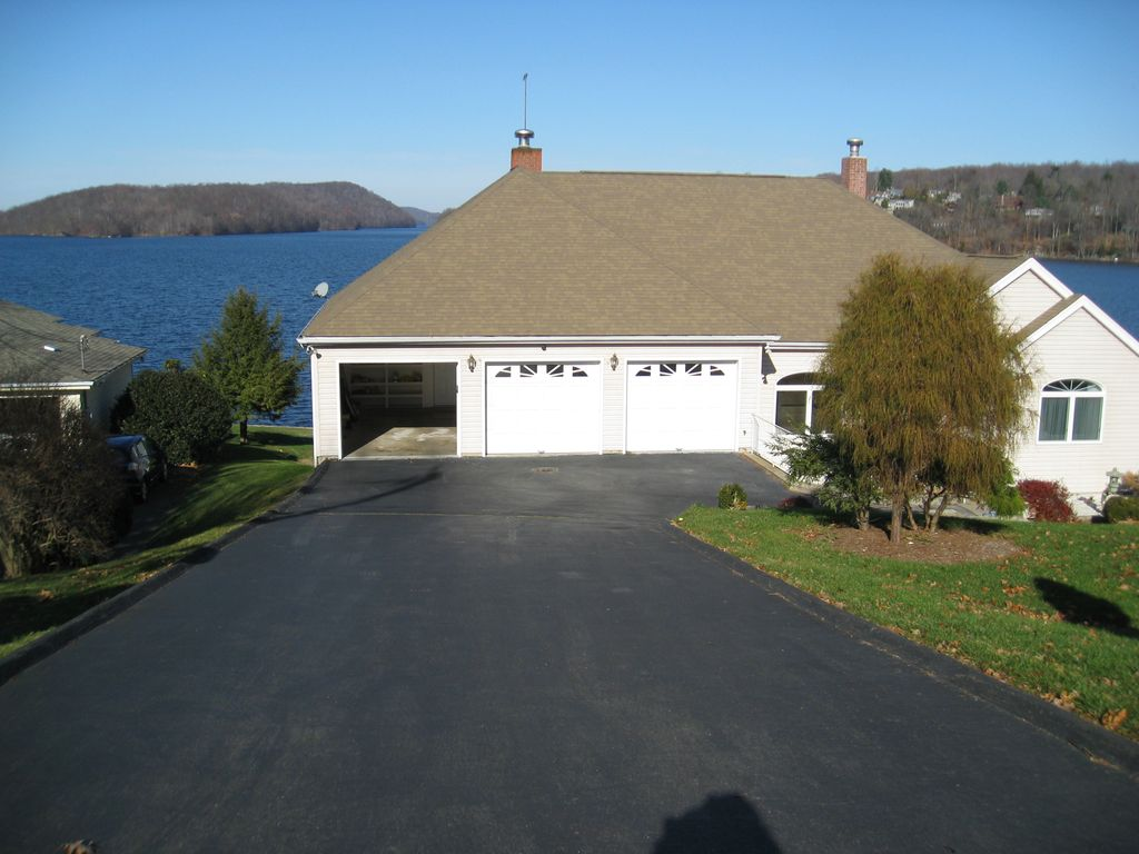 Premier Lake Front Home On Candlewood Lake