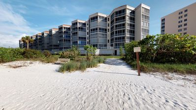 Awesome Gulf Views from this Fabulous Condominium at Hideaway Beach!