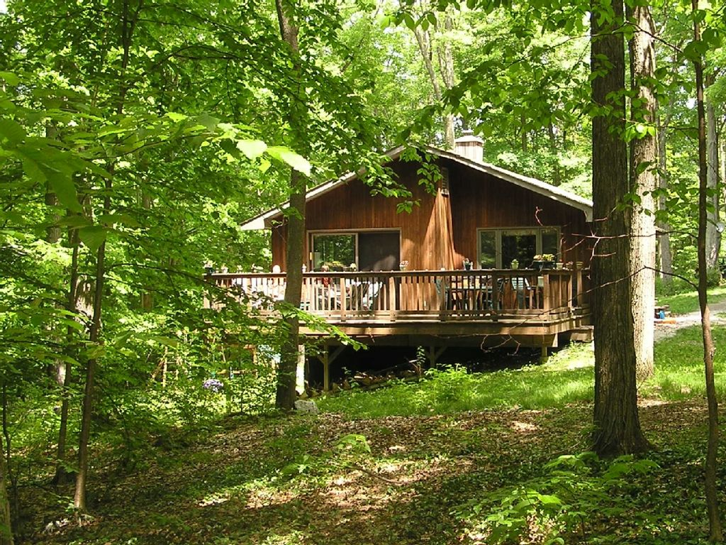 Whitman woods private berkshire vacation homeaway hancock - Wooden vacation houses nature style ...