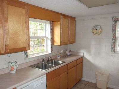 Jekyll Island cottage rental - Kitchen.