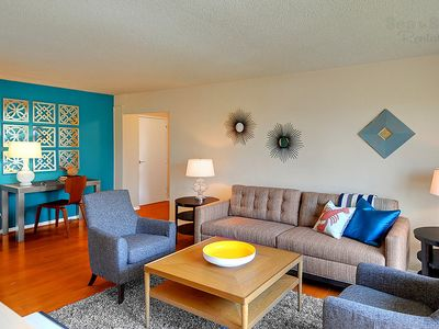 Seattle condo rental - Stunning Interior Decor - The stunning interior decor of this condo will blow you away. A perfect mix of style & comfort to ensure a pleasant stay in downtown Seattle!