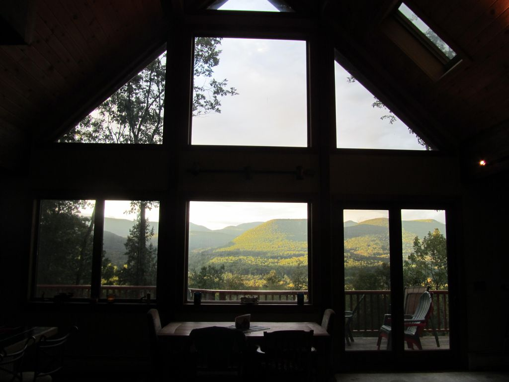 Woodstock mountainside retreat, nicest view in the Catskills!! RELAX!!!!