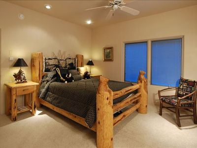Sun Valley house rental - BearSuite with Attached Bathroom, Huge Shower with Room with Queen PullOut Couch