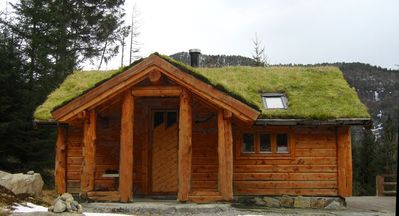 Wooden Cabin with traditional grass roof (5 man)