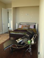 Toronto condo photo - Guest Bedroom with queen bed