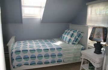 bedroom #4 - one of 2 small bedrooms, each with a twin bed
