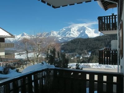 Flat for 2 adults and 2 children, view on Mont-Blanc, 2 min from the slopes