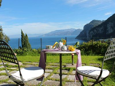 Apartment With Panoramic View And Garden Halfway From Marina Grande Port And The Famous Capri Piazzetta