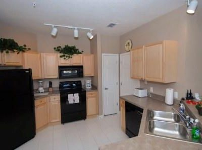 Orlando condo rental - Fully equipped kitchen