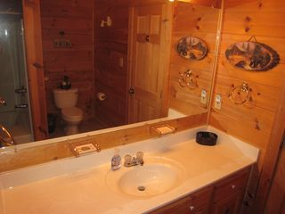 Gatlinburg cabin photo - Downstairs bath