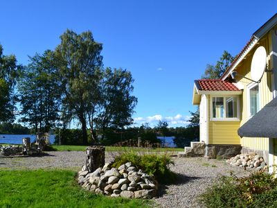 West Shore lakeside location with a sun terrace, sauna and boat
