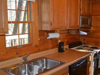 Gatlinburg chalet photo - Functional kitchen, all utensils and cookware provided.