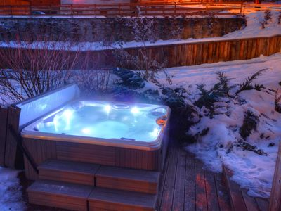 Luxury 5 star (*****) brand new chalet with breathtaking view on the mountains, 8 bedrooms, 8 showers, 2 saunas, immediate proximity with ski lift and village shops