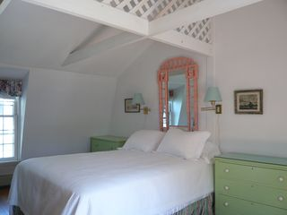 Old Saybrook cottage photo - Queen bed