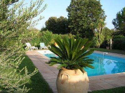 In the gulf of saint tropez, villa with pool 100 meters from sandy beach.
