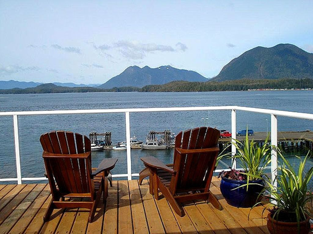 tofino oceanfront house vista hermosa vrbo. Black Bedroom Furniture Sets. Home Design Ideas