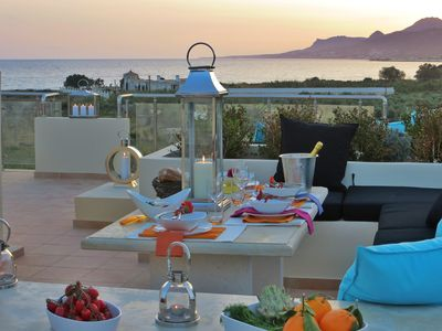 Makrygialos apartment rental - Outdoor dining on the roof terrace overlooking the sea & mountains.