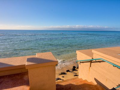 Easy ocean entry with direct shoreline access from Maui vacation rental condos