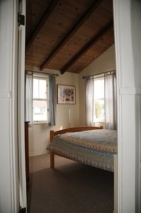 Balboa Island house rental - One of the upstairs bedrooms