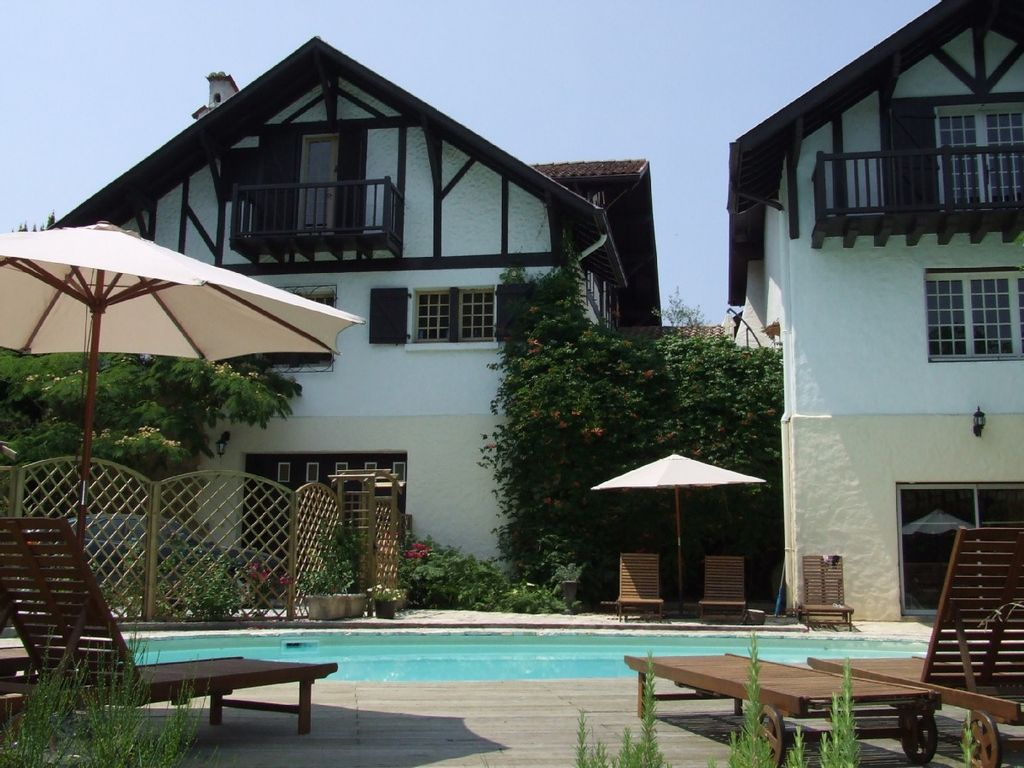 Accommodation near the beach, 225 square meters,