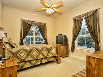 Lake Travis ESTATE Rental Picture