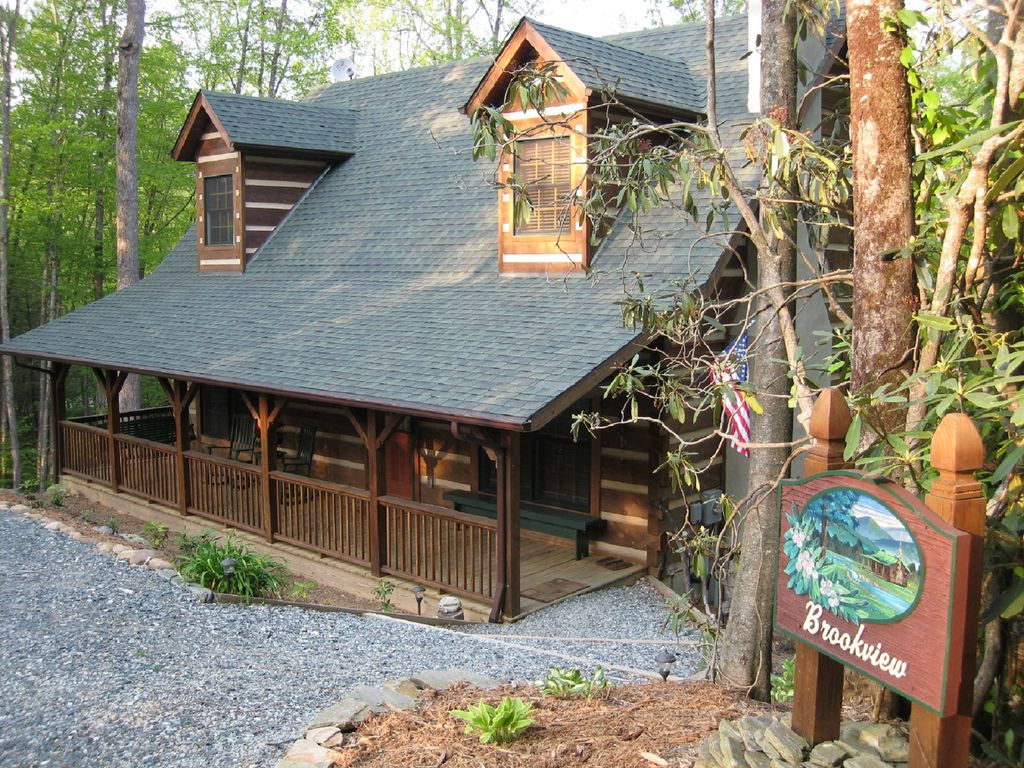 Brookview authentic luxurious blowing rock vrbo - The wood cabin on the rocks ...