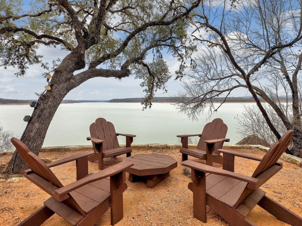 Serene Lakehouse With Hot Tub, Water Access, And A View!