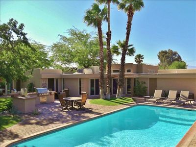 Your own Desert Oasis!  Isn't this how you want to spend your vacation?