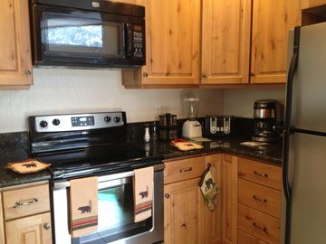 Many kitchen amenities- blender, coffee maker, toaster, panini grill and more!