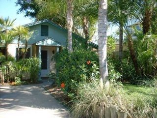 Treasure Island cottage rental - Cottage entrance