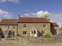 TODD FALL FARMHOUSE, pet friendly in Heighington , Ref 4287