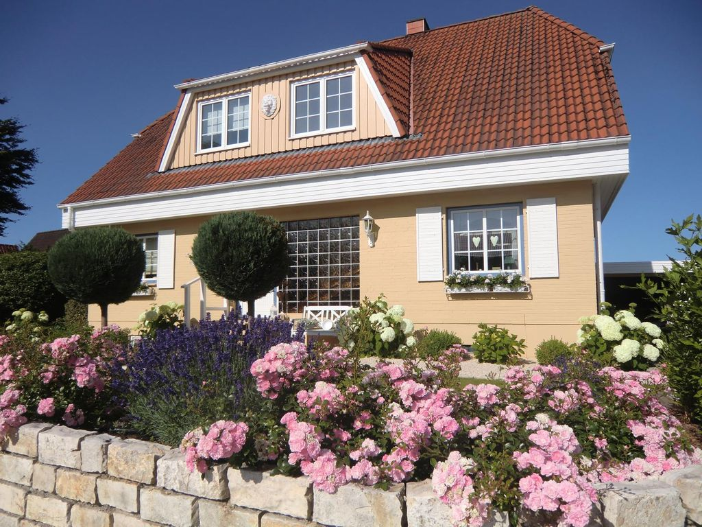 NICE LIVING near the Baltic Sea in the Holstein Switzerland ...