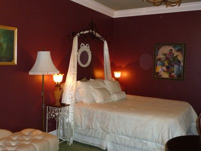 Santa Rosa villa rental - Smaller queen bedroom, w/shared bath.