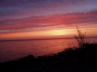 Cheboygan lodge photo - Early morning at the beach....