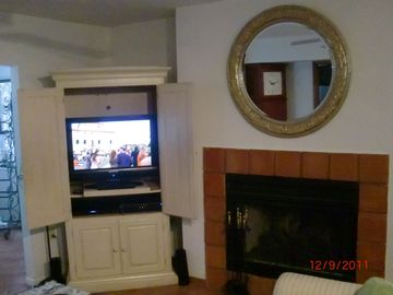 HDTV, Blu-Ray, 5.1 Surround Sound, 250 channels, free movies after sunset