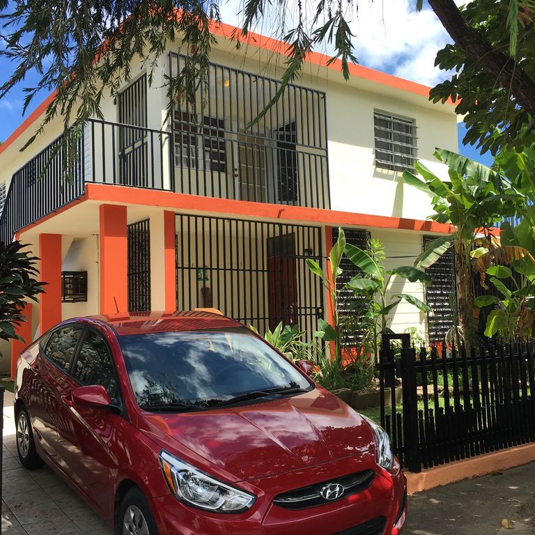 Beautiful and Cozy house in Loiza Valley all amenities functioning.