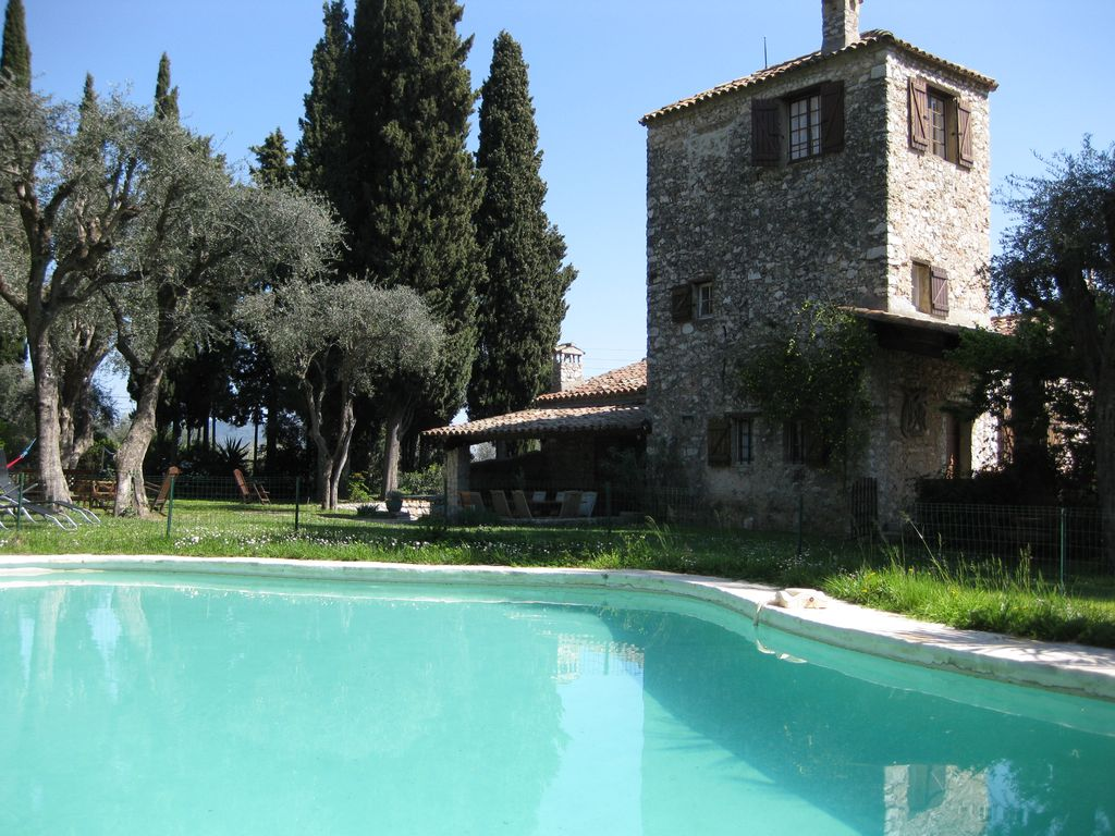 Stunning historic stone farmhouse with homeaway gairaut for Tours of nice houses