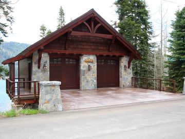 Truckee cabin rental - Located off South Shore Dr. Parking for 4.