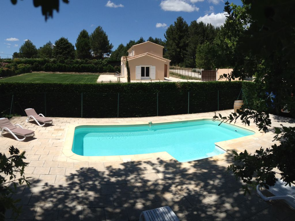 New superb villa heated swimming pool fence 4000m for Heated garden swimming pools
